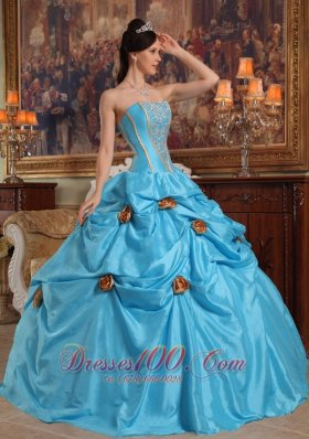 2013 Lovely Sky Blue Quinceanera Dress Strapless Taffeta Beading and Hand Made Flowers Ball Gown