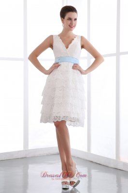 White A-line V-neck Mini-length Lace Sash Prom Dress