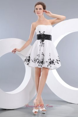White A-line / Princess Strapless Mini-length Taffeta Appliques Prom / Homecoming Dress