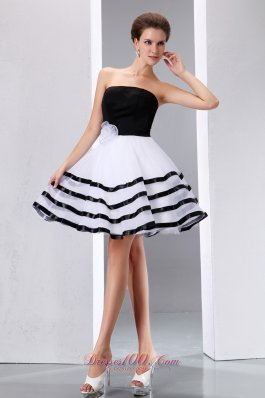 Black and White A-line Strapless Knee-length Taffeta and Organza Hand Made Flower Prom Dress