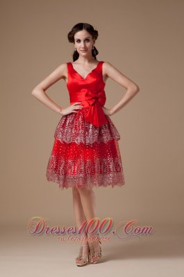 Luxurious Red A-line Prom Dress V-neck Satin Beading Knee-length