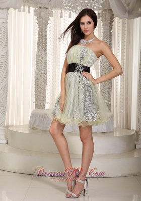A-line Strapless Knee-length Zebra and Organza Belt Appliques Prom Dress
