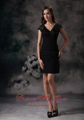 New Black Column / Sheath V-neck Little Black Dress Sain Beading and Lace Mini-length