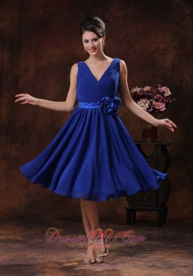 Roral Blue V-neck Bridesmaid Dress With Flowers and Ruch Derocate In Carefree Arizona  Dama Dresses