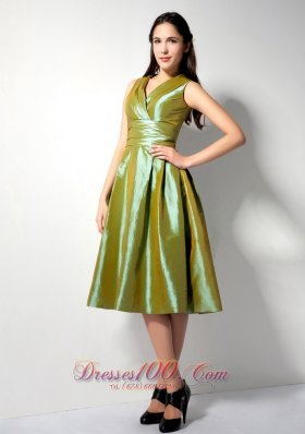 Customize Olive Green A-line V-neck Bridesmaid Dress Knee-length Ruch Taffeta knee-lengt DamaDress Olive Green Folds  Dama Dresses