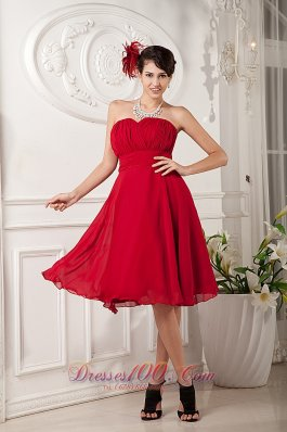 Red A-line / Princess Sweetheart Knee-length Chiffon Ruch Bridesmaid Dress  Dama Dresses