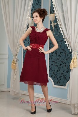 Elegant Burgundy Mother Of The Bride Dress Column Square Chiffon Beading Knee-length  Dama Dresses