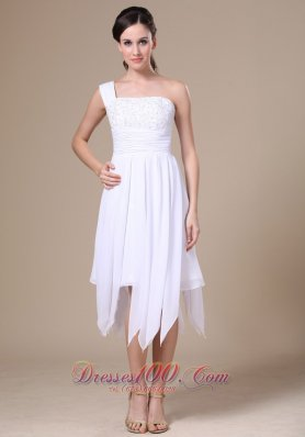 One Shoulder White Prom Dress With Asymmetrical Appliques Decorate  Cocktail Dress
