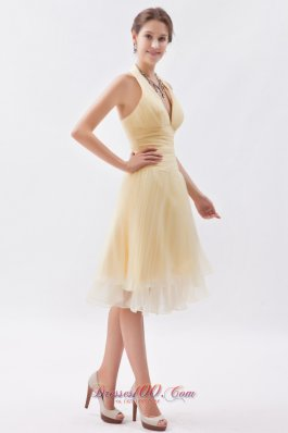 Champagne A-line / Princess Halter Ruch Prom Dress Organza Knee-length  Cocktail Dress