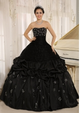 Appliques Decorate On Taffeta Strapless Black Quinceanera Dress