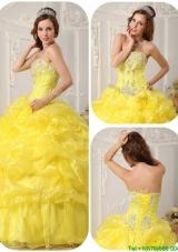 Cheap Beading and Ruffles Quinceanera Dresses in Yellow