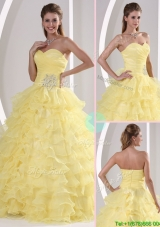 v Sweetheart Quinceaners Gowns with Appliques and Ruffled Layers