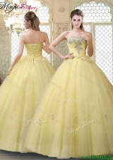2016 Romantic Strapless Quinceanera Gowns with Appliques and Beading for Fall