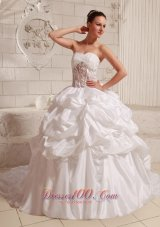 Sweetheart Appliques and Pick-ups Ball Gown Wedding Gowns With Chapel Train - Top Selling