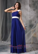 2013 Modest Royal Blue and White Empire One Shoulder Prom Dress Chiffon Handle Flowers Floor-length