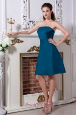 Cheap Teal A-line / Princess Strapless Bridesmaid Dress Knee-length Satin Ruch