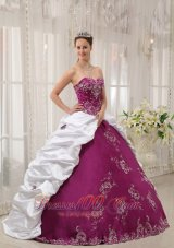 New Beautiful Bright Purple and White Sweet 16 Dress Sweetheart Satin and Taffeta Embroidery Ball Gown
