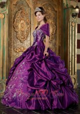 Popular The Super Hot Purple Quinceanera Dress Strapless Taffeta Embroidery Ball Gown