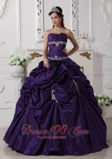 Puffy The Super Hot Dark Purple Quinceanera Dress Strapless Taffeta Appliques Ball Gown