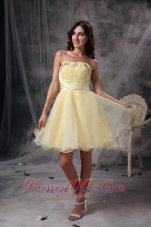 Remarkable Light Yellow Cocktail Dress A-line Strapless Beading and Ruch Orangza Knee-length  Under 100