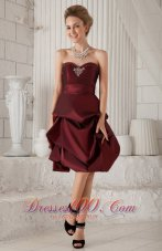 Burgundy Column / Sheath Sweetheart Knee-length Taffeta Beading Prom / Homecoming Dress  Cocktail Dress