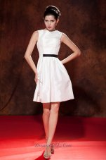 Modest White A-line / Princess Prom Dress Bateau Mini-length Taffeta  Cocktail Dress