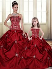Best Selling Embroidery Pick Ups Floor Length Wine Red Vestidos de Quinceanera Strapless Sleeveless Lace Up