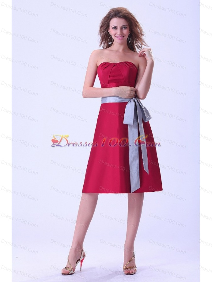 Wine red bridemaid dress with sash knee length strapless for Silver and red wedding dresses