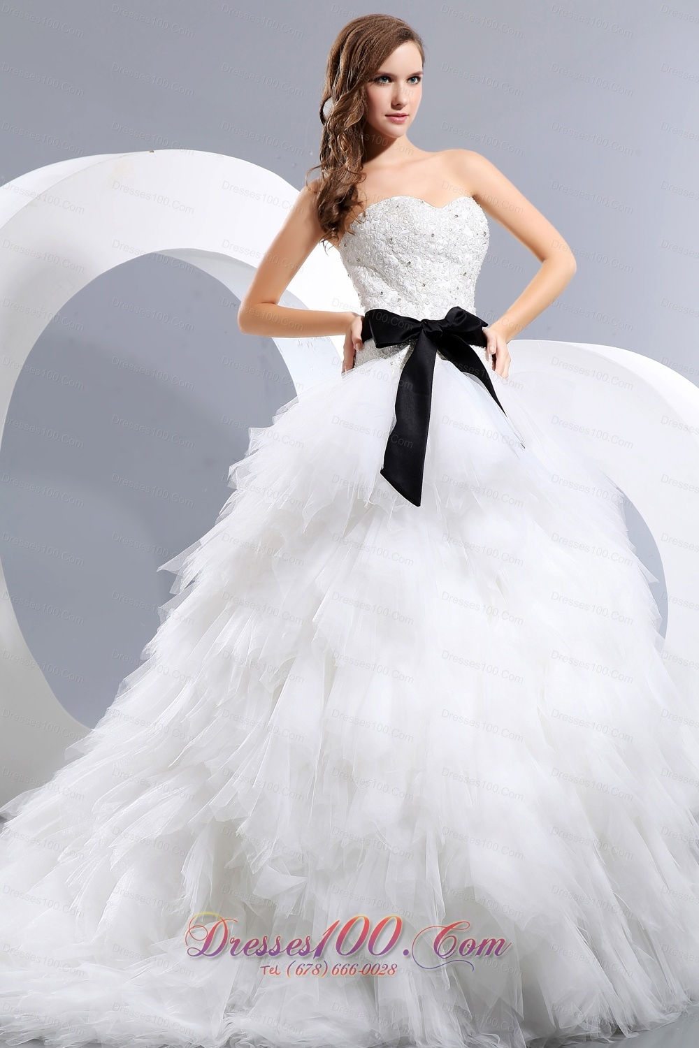 Beautiful wedding dress appliques and bow a line for Top 10 most beautiful wedding dresses