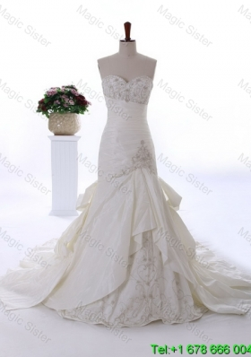 Custom Made Embroidery Wedding Dresses with Court Train