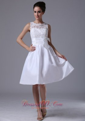 Taffeta A-Line Scoop Knee-length Beach / Destination Wedding Dress With Bowknot