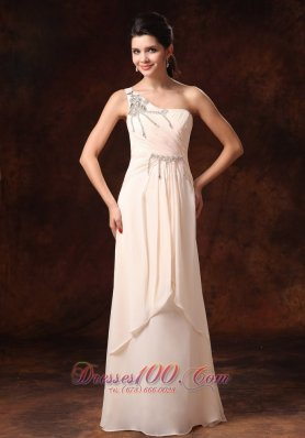 2013 Champagne Stylish One Shoulder Empire Chiffon Prom Gowns With Beaded Decorate Shoulder