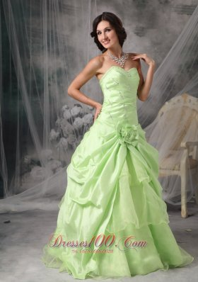 2013 Apple Green A-Line / Princess Sweetheart Prom Dress Taffeta Beading