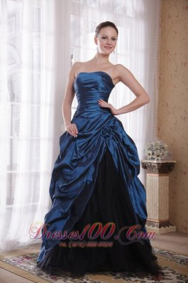 Designer Beautiful A-Line / Princess Strapless Sweep / Brush Train Taffeta Hand Made Flowers Prom Dress