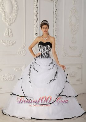 Cheap Simple White Quinceanera Dress Sweetheart Satin and Organza Ball Gown