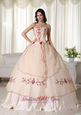 Puffy Champagne Ball Gown Sweetheart Floor-length Organza Embroidery Quinceanera Dress
