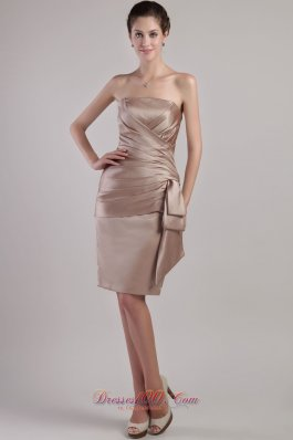 Chocolate Column/Sheath Strapless Knee-length Satin Pleats Mother of the Bride Dreses